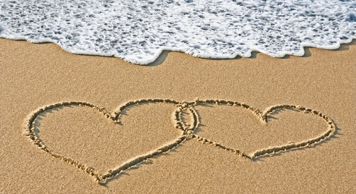 hearts-on-the-sand-beach-730x400