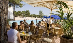Pool bar Jakov
